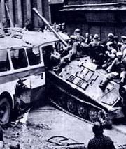 Для многих граждан вторжение войск Варшавского договора 1968 года стало чрезвычайно важным, если не самым важным политическим опытом в их жизни