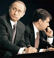 Решение Путина – и есть вся избирательная кампания. Но я думаю, что теперь и Путину, и Медведеву предстоит заново утверждать себя в российской политике