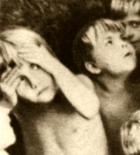 По мере приближения к зрелости человек теряет то ощущение праздничности бытия, которое дается ему в детстве
