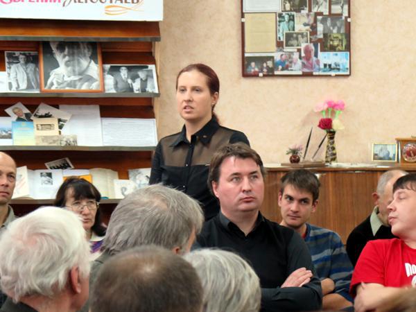 Российские писатели встретились с коллегами в Центральной библиотеке Горловки - Наталья Макеева