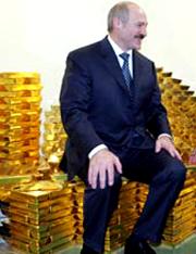 Высшие чиновники Белоруссии, включая президента Лукашенко, единодушно констатировали отсутствие в стране кризиса