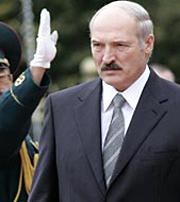 Думать Лукашенко может очень долго, и именно это он и будет делать