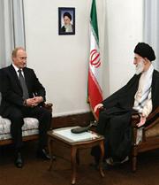 В 2007 году Путин встретился с духовным лидером Ирана аятоллой Хаменеи